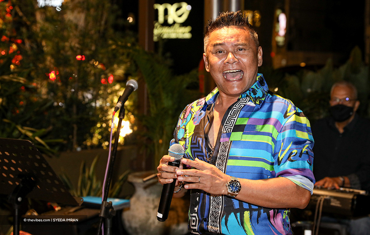Datuk Zainal Abidin says that he will never get bored singing the decades-old song 'Hijau' because the message it has carries great significance. Here, he is pictured performing at Italian restaurant Roberto's 1020 during its launch at Bangsar Shopping Centre late last year. – SYEDA IMRAN/The Vibes pic
