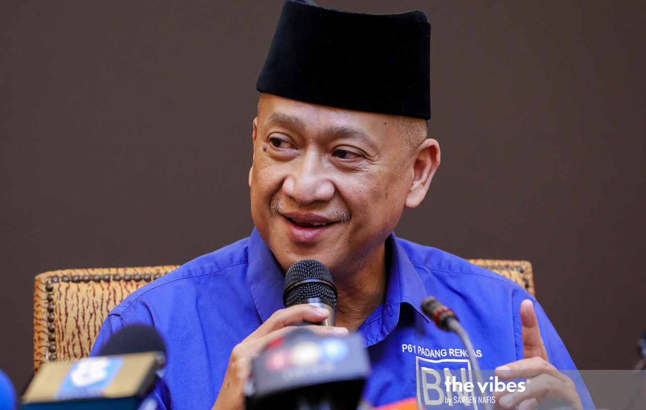 Datuk Seri Mohamed Nazri Abdul Aziz says if Datuk Seri Azalina Othman Said is appointed speaker, Umno woud lose one vote on the floor. – The Vibes file pic, August 27, 221