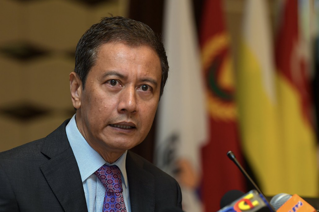 Dewan Rakyat Speaker Datuk Azhar Azizan Harun is likely to block a no-confidence vote on Prime Minister Tan Sri Muhyiddin Yassin, and experts believe the way forward in the current political impasse may be for the king to have yet another round of consultations with MPs. – Bernama pic, July 30, 2021