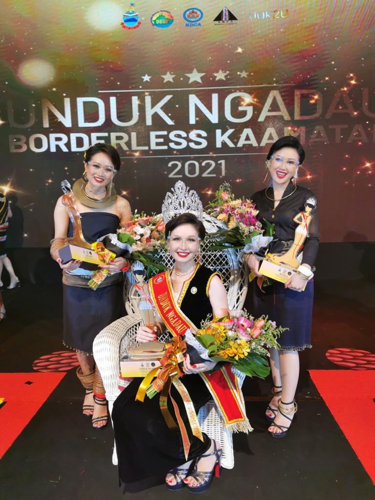 A jubilant Maya Hejnowska at the crowning ceremony in Penampang today after her win. – The Vibes pic, May 31, 2021
