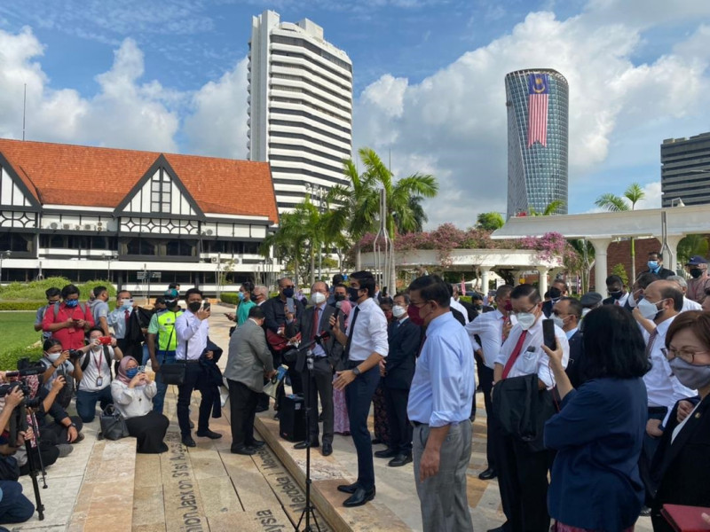 LIVE: With all roads to Parliament closed, opposition assemble at Dataran Merdeka