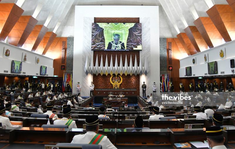 Azhar-Azalina friction in focus ahead of Dewan Rakyat's reconvening