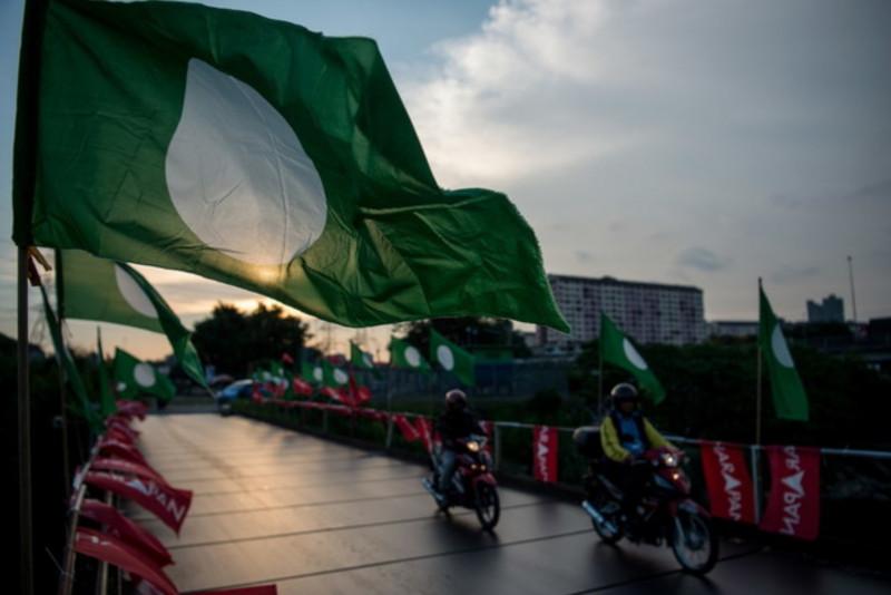 PAS may face GE15 alone if Bersatu, Umno still at loggerheads