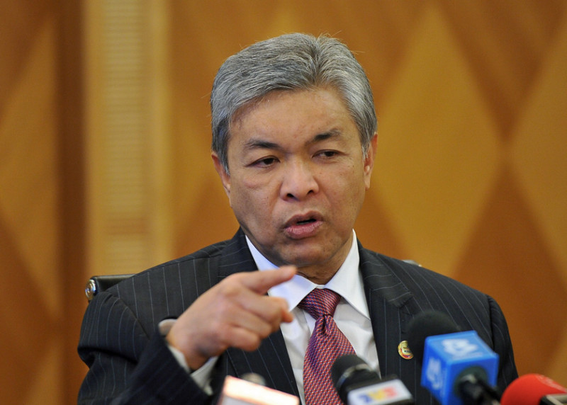 Don't pull a fast one on Agong, just step down: Zahid tells PM