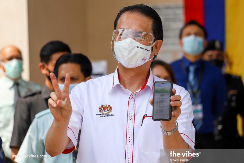 Walk-ins for AstraZeneca jabs? Netizens atwitter over health DG's idea